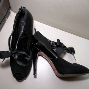 Patent Leather & Suede heels with ribbon 7M